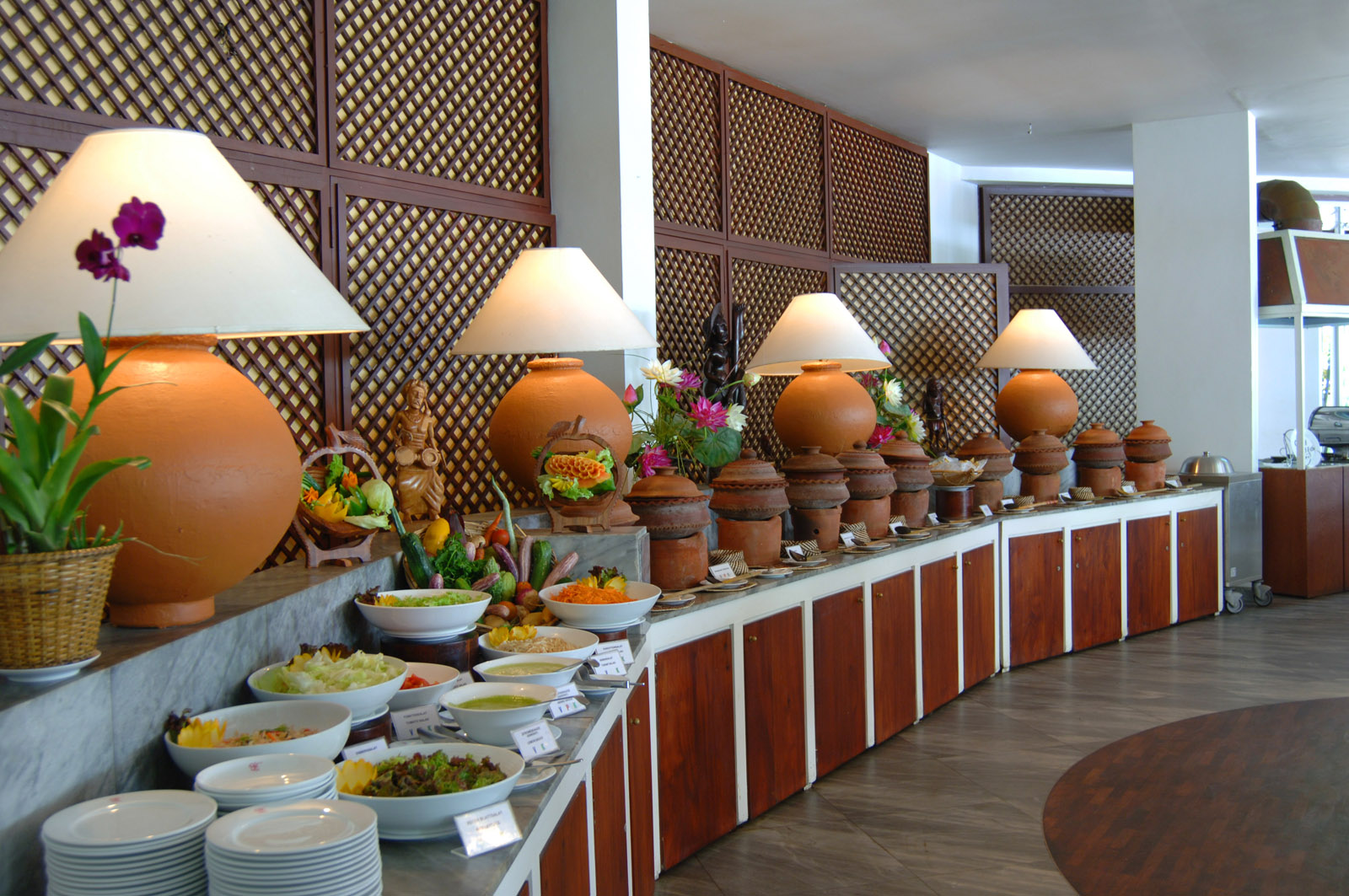 https://www.lankaprincess.com/wp-content/uploads/2014/12/Ayurveda-Restaurant-Lanka-Princess-New-batch-12-51.jpg