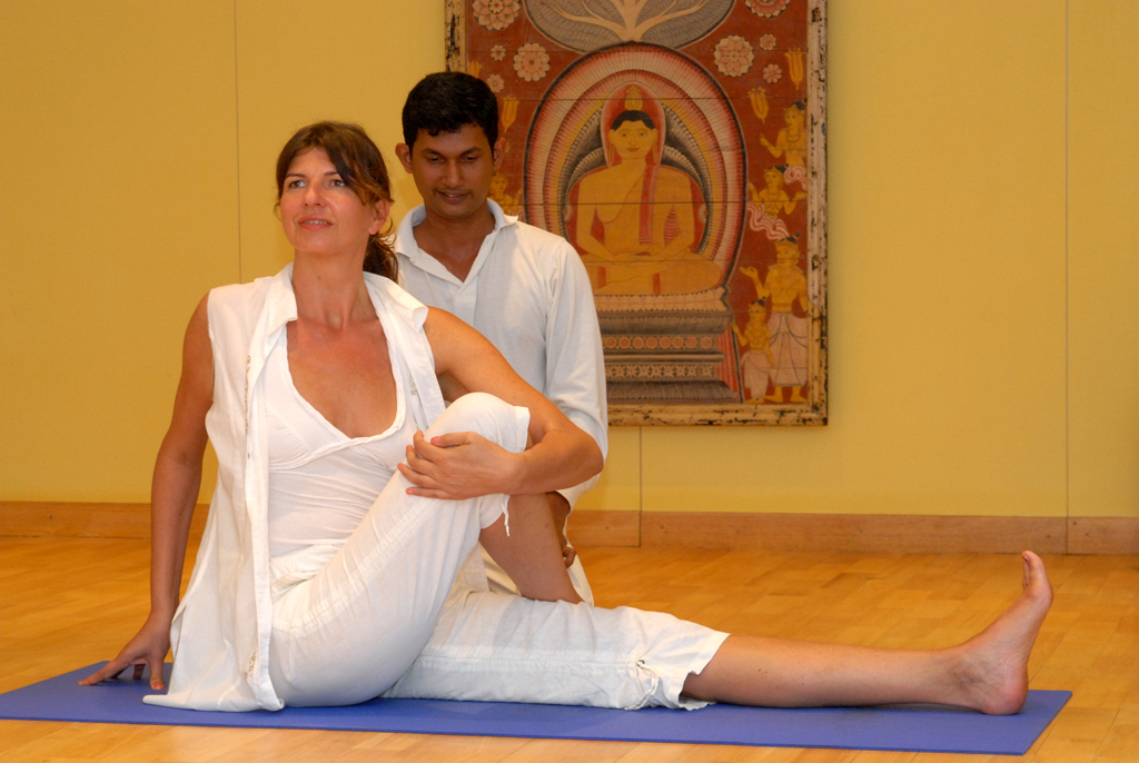 https://www.lankaprincess.com/wp-content/uploads/2014/12/Lanka-Princess-Yoga-7-61.jpg